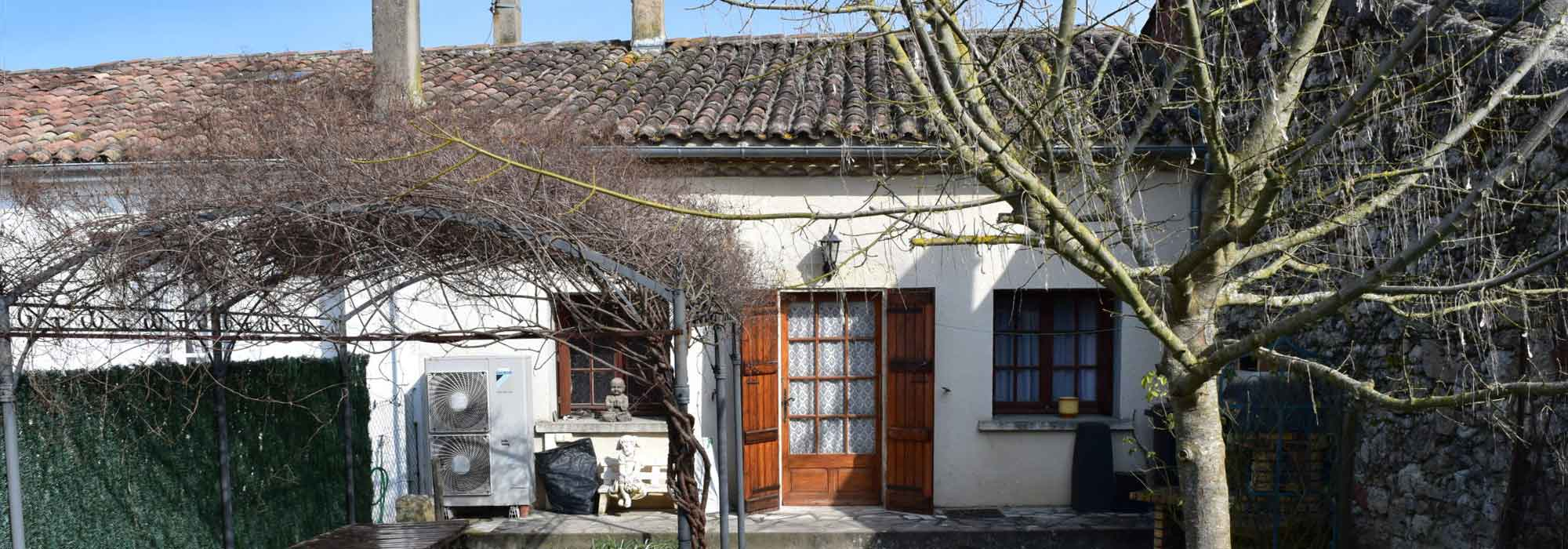 LECTOURE – CHARMING TOWNHOUSE 100 M² – 3BEDS – GARDEN