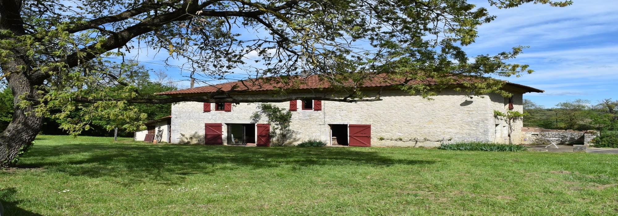 Maison en pierre 160 m² sur parc 1Ha