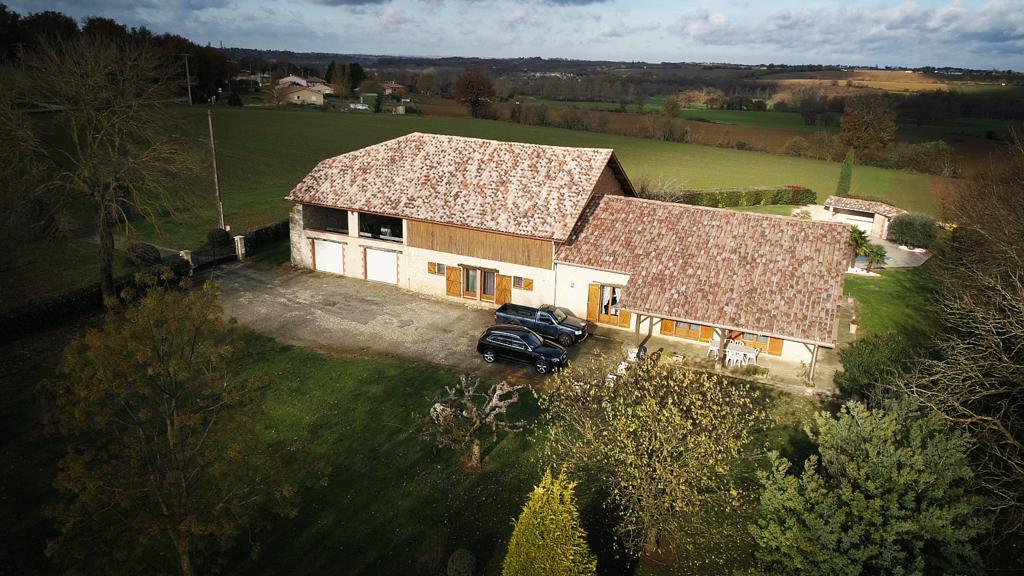 Farm 190m²  – heated pool- view Pyrénées.